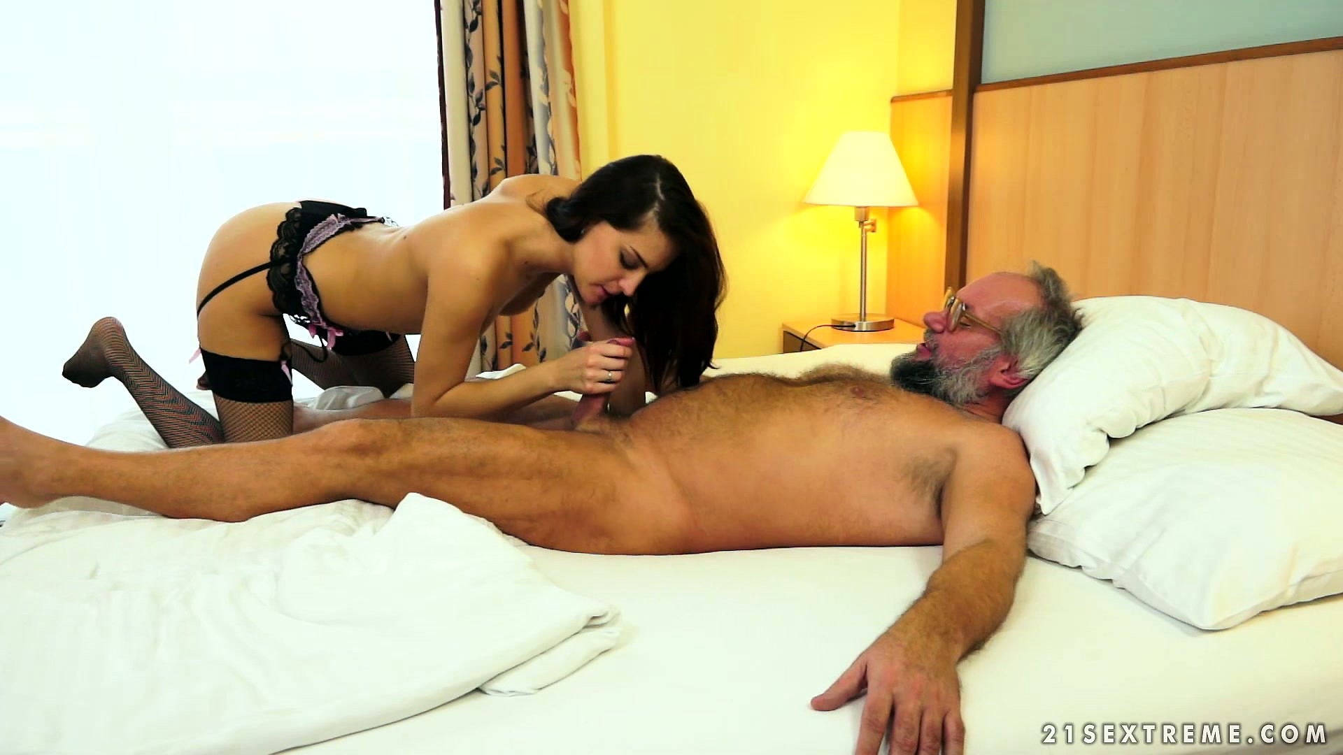 Sex Movie of Horny Old Grandpa Eats Her Young Twat And She Slurps His Mature Meat
