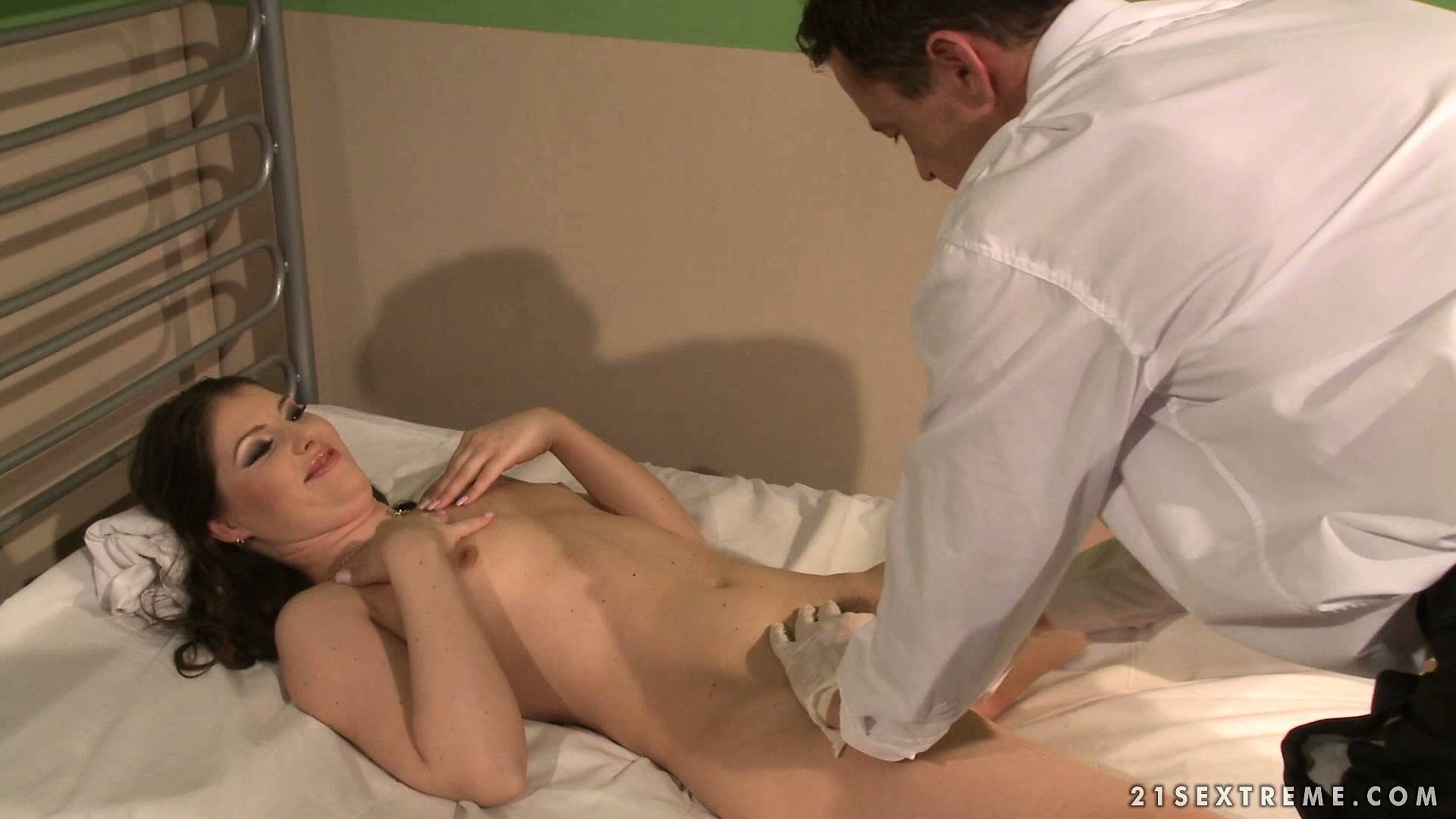 Porno Video of She Goes In For A Gyno Exam And He Starts Spanking Her As All Goes Wrong