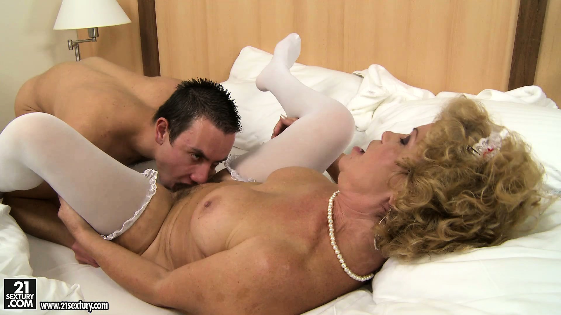Porn Tube of The Hairy Goddess Is Disguised As An Old Maid And Gets A Young Boy To Lick Her Furriness