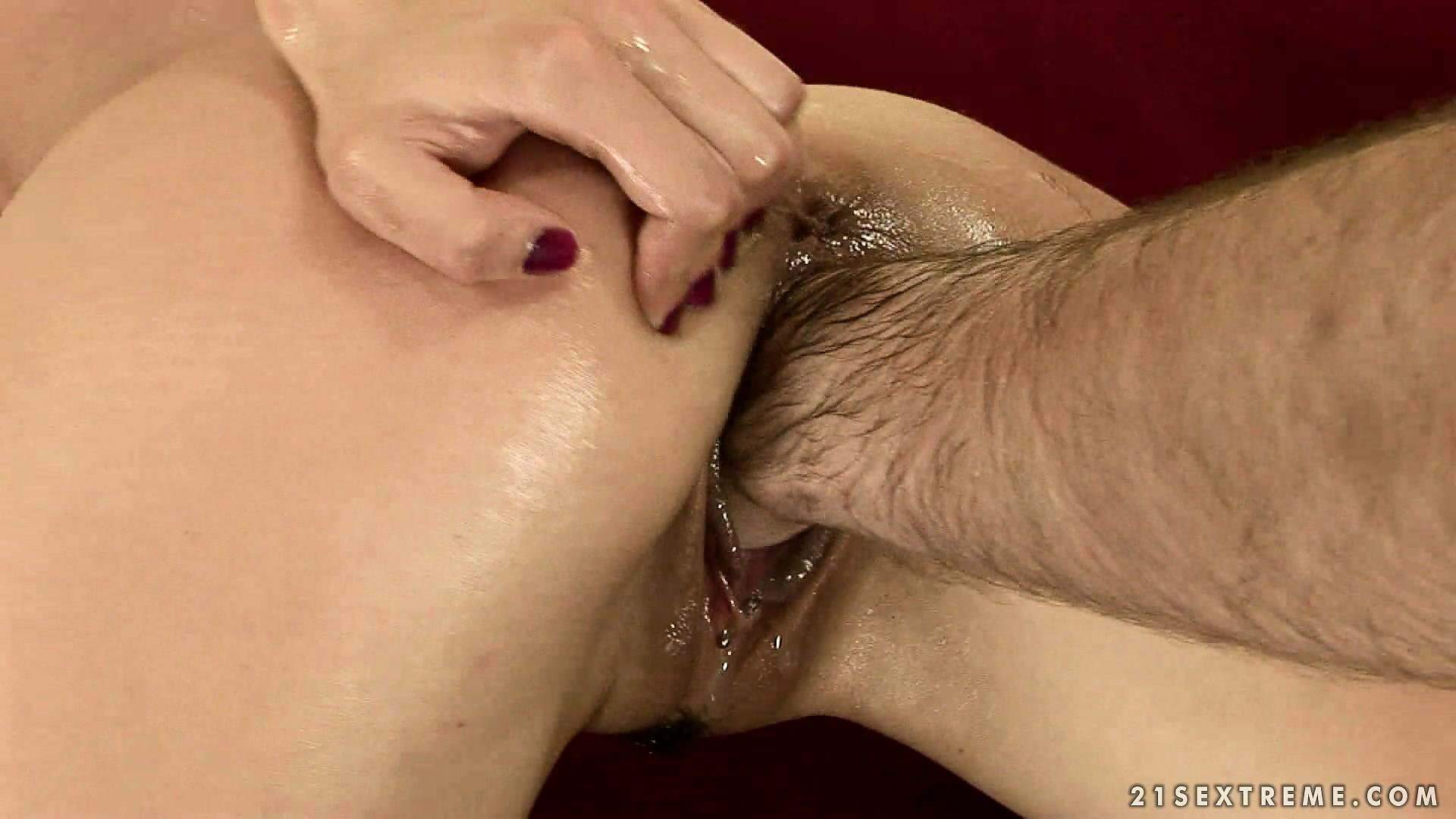 Porno Video of Brunette Betty Gets His Hairy Arm Planted Deep Into Her Wet Cunt