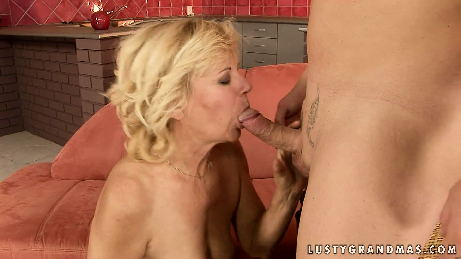 Porn Tube of Mature Blonde Has Got Enough Of Oral Penetrations For Today's Evening