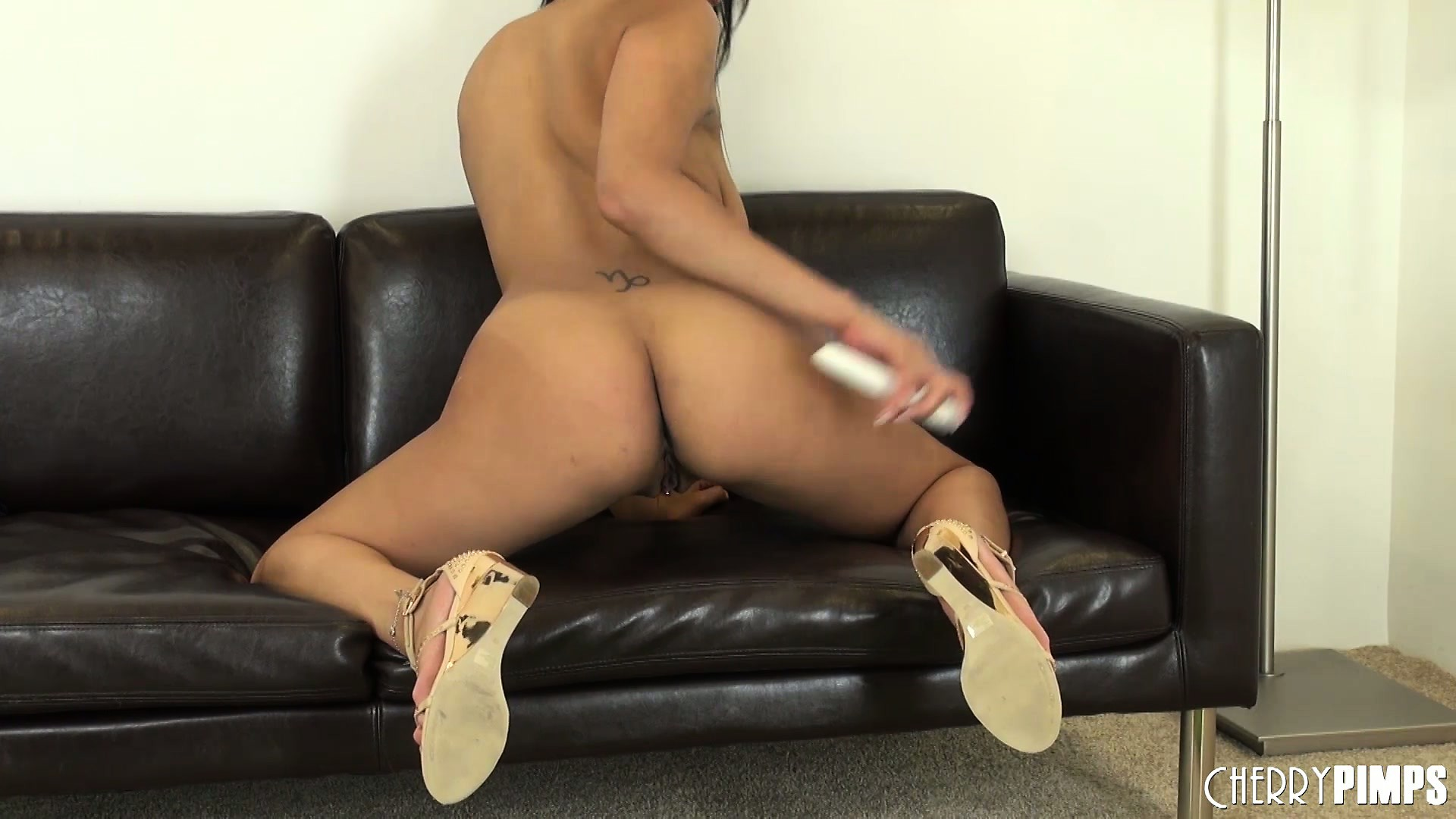 Porn Tube of Bethany Benz Rubs Her Lovely Pussy And Makes Herself Wet For You