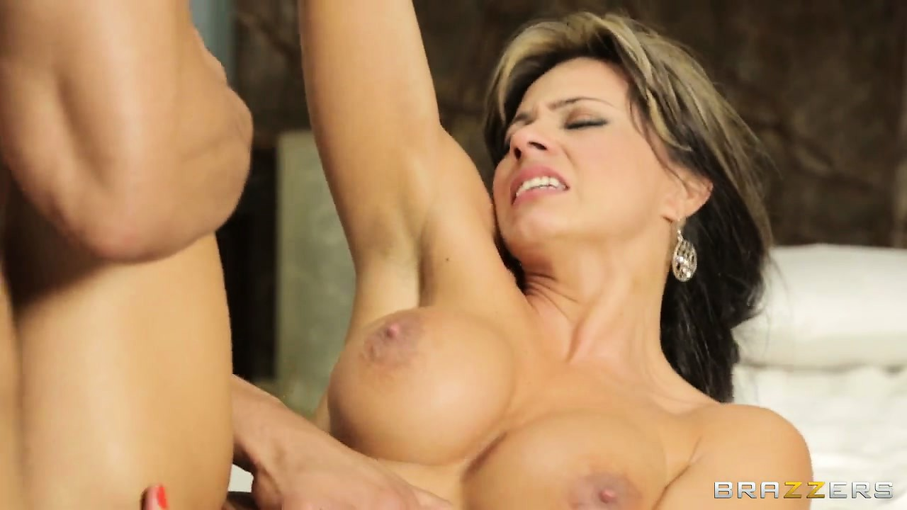 Porno Video of She Rubs Her Clit While He Pounds Her Hole And Then Cums In Her Mouth