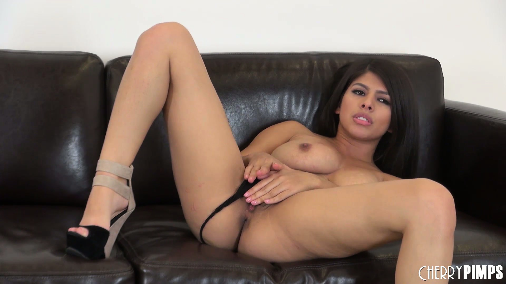 Porno Video of Naughty Layla Rose Puts Her Thong To A Side And Rubs Her Pussy