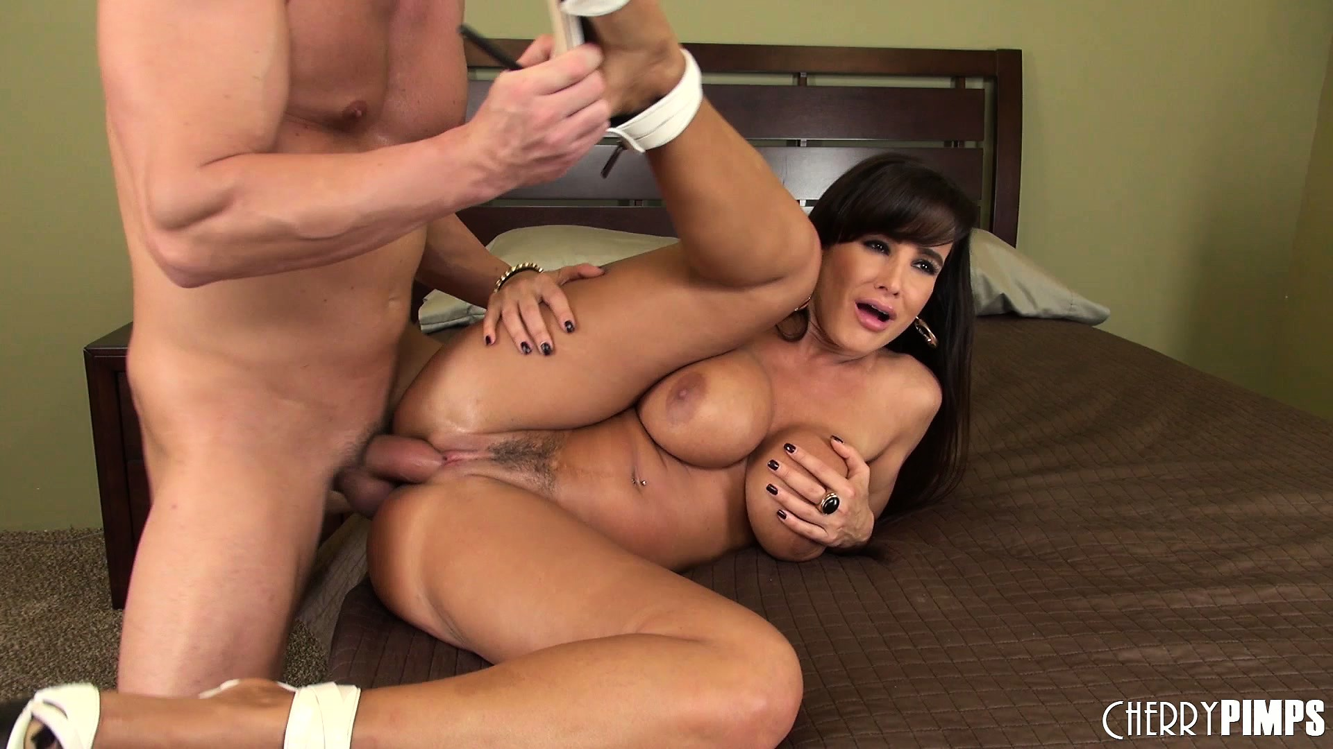 Porno Video of Lisa Ann Has Large Melons With Which To Catch His Creamy Man Juice