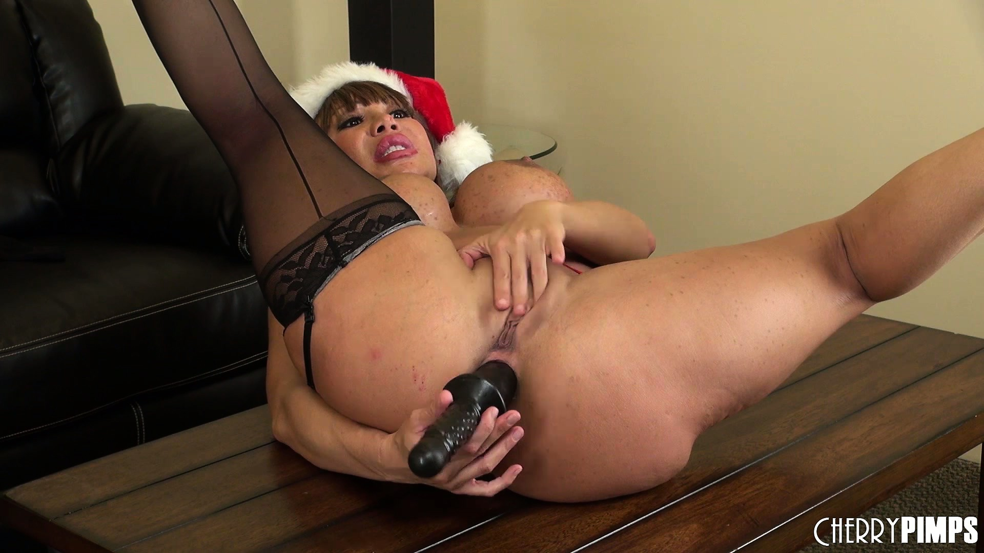 Porno Video of Ava Devine Fills Her Pussy And Full For Christmas With Panty And Fake Fist Presents