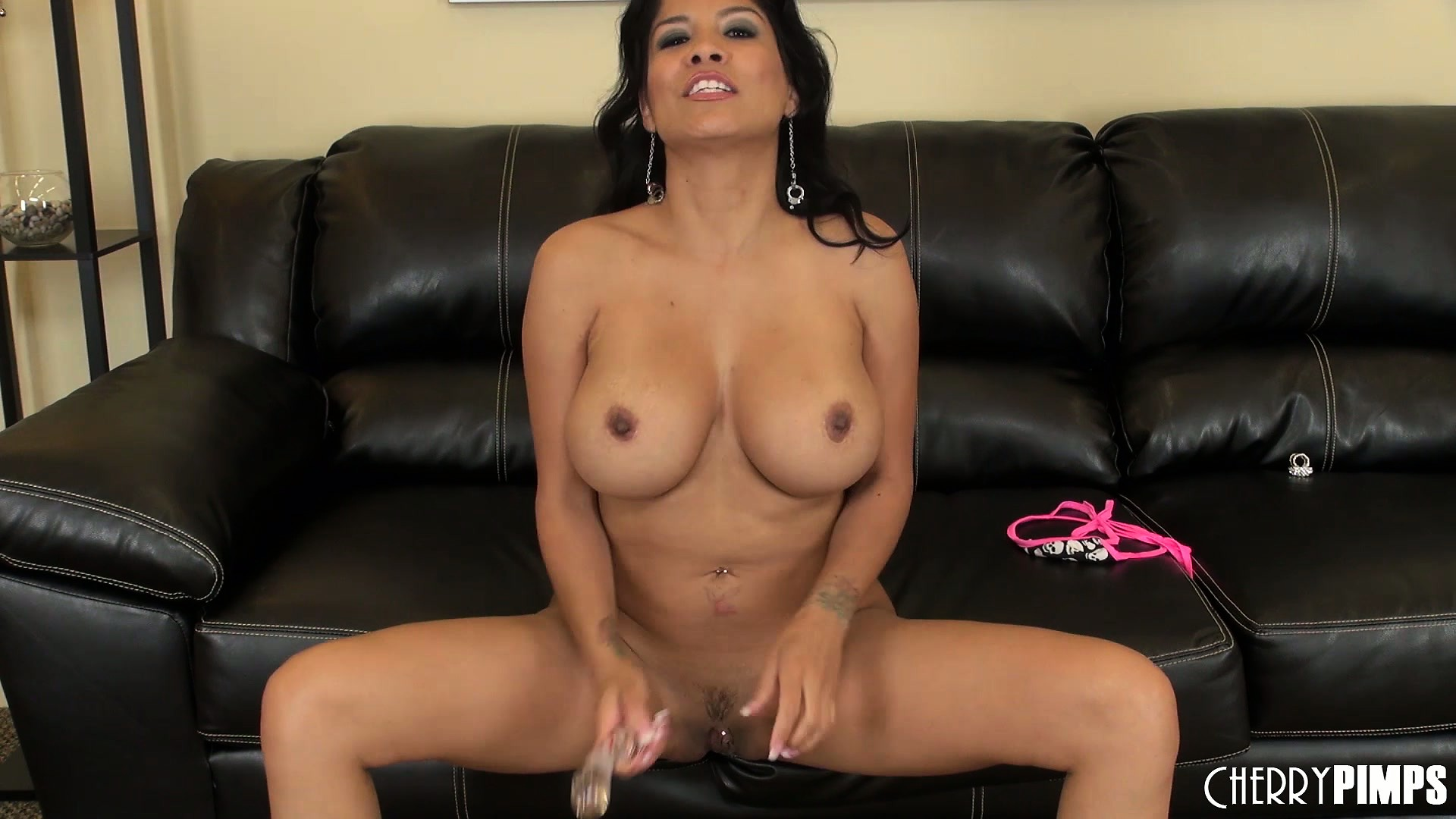 Porno Video of Exciting Girl Alexis Amore Reveal The Most Beautiful Spot On Her Body