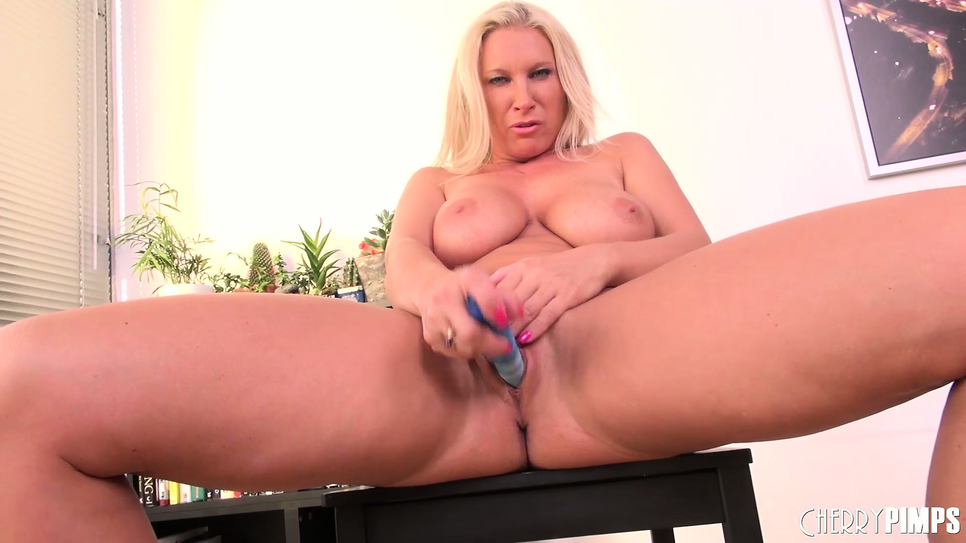 Porno Video of Busty Blonde Mom, Devon Lee, Fingers And Toys Her Naughty Love Hole