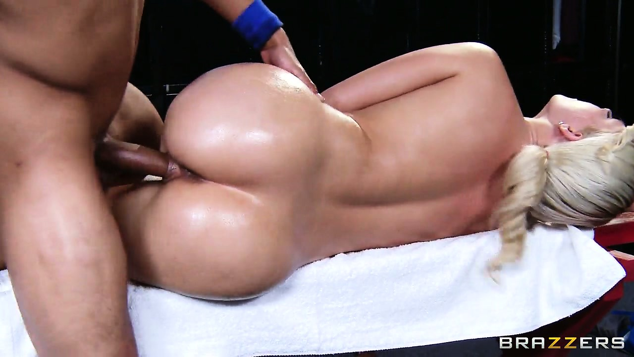 Porno Video of Team Masseur Takes The Time To Massage Every Orifice On Sporty Blonde's Body