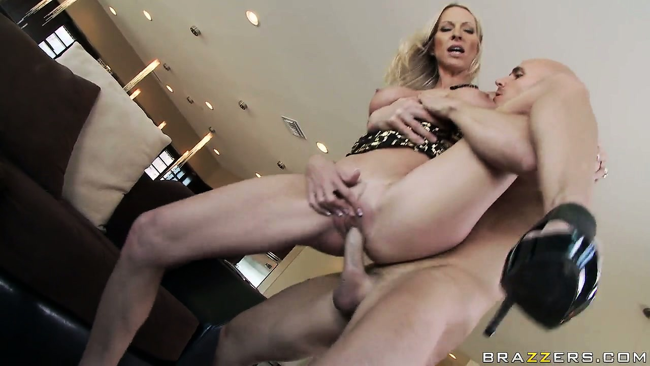 Porno Video of With Fabulous Big Tits, She Gets Her Wet Pussy Fucked Hard And Deep From Behind