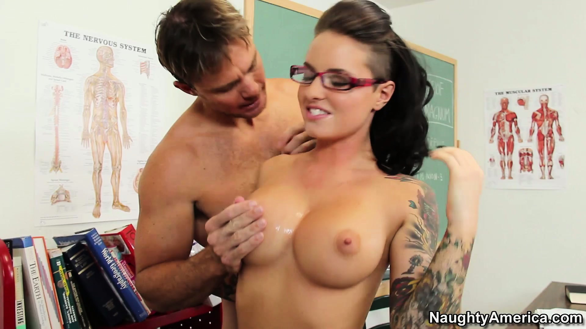 Porno Video of Christy Mack Stays After Classes And Seduces Her Well-endowed Teacher