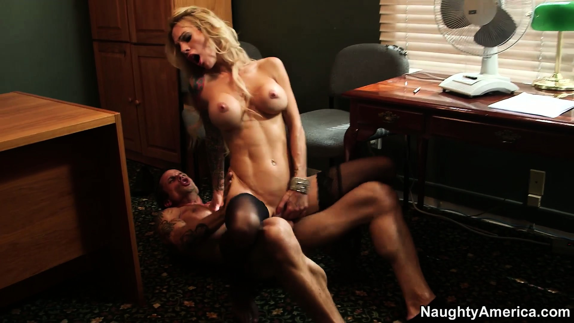 Porno Video of Fit Blonde Tart In Lacy Black Stockings Gets Down In The Office