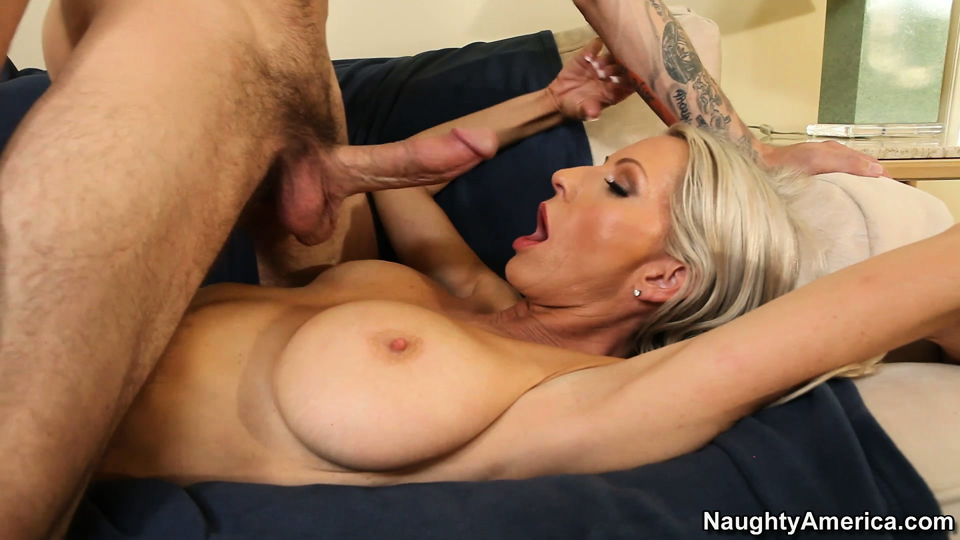 Porn Tube of Harmonic Female With Stunning Boobs Emma Starr Enjoys The Company Of Well-endowed Lecher