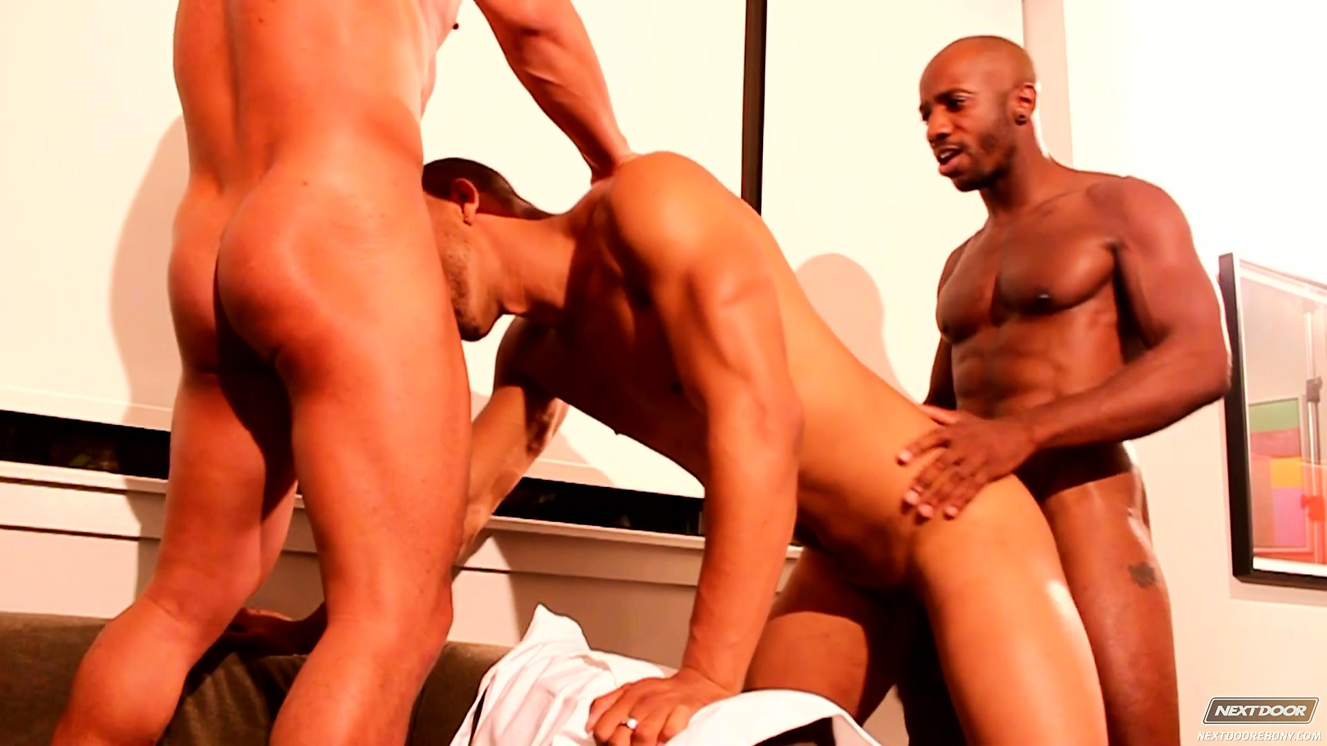Porno Video of Muscled Ebony Dudes Get So Excited They Fuck Their Gay Buddy Too Rough