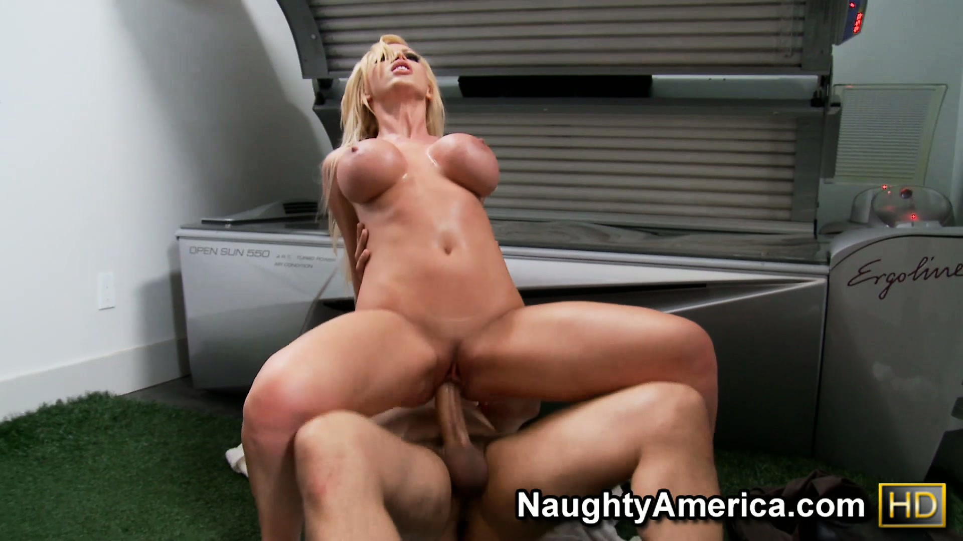 Porno Video of Busty Blonde Bombshell Takes A Dick Deep In Her Throat And Pussy