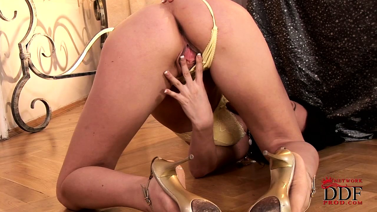 Porn Tube of Nasty Tart Tifany Spanks Her Ruined Hole With Its Massive Lips