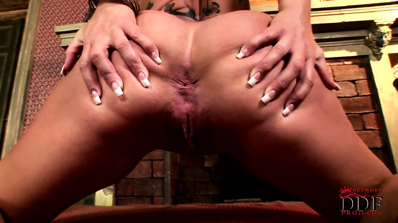 Porn Tube of Moist And Slippery Tattoed Skank Plays With Her Pert Twat For Fun