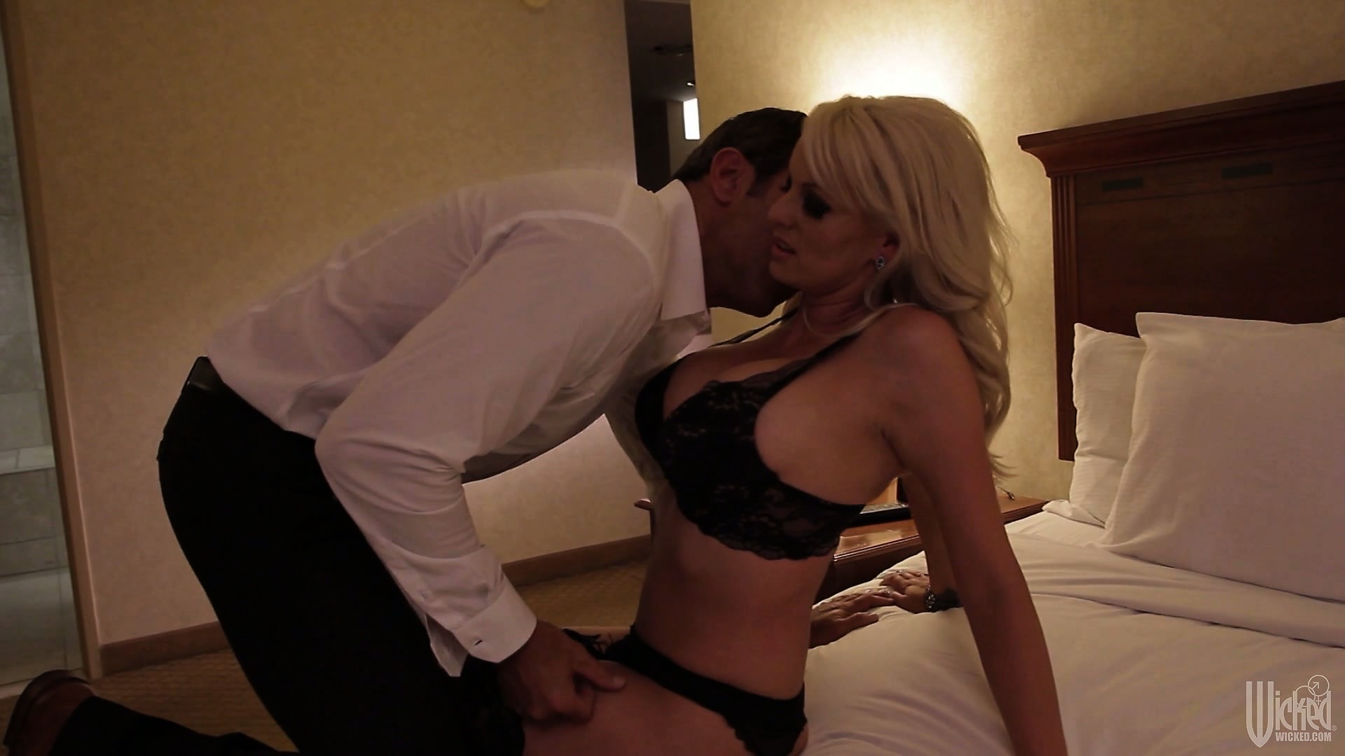 Porno Video of Blonde Seductress Gets Her Hands Tied Behind Her Back By Her Lover