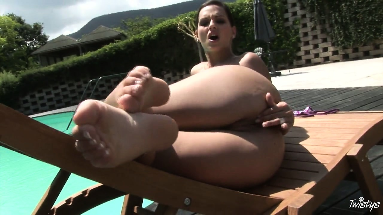 Porn Tube of She's Got One Hell Of A Thick Booty For A Skinny White Chick
