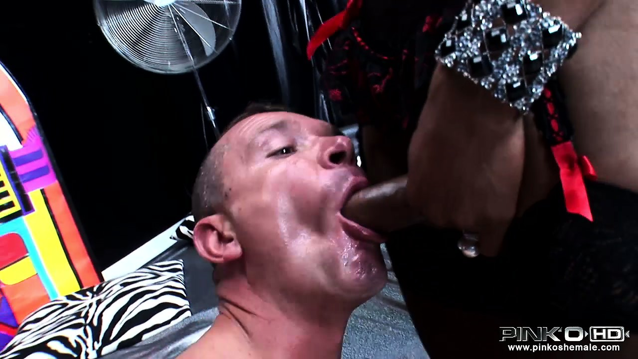 Porn Tube of Two Trannies From Italy Get A Full Range Of Oral Services From Their Fuck Buddy