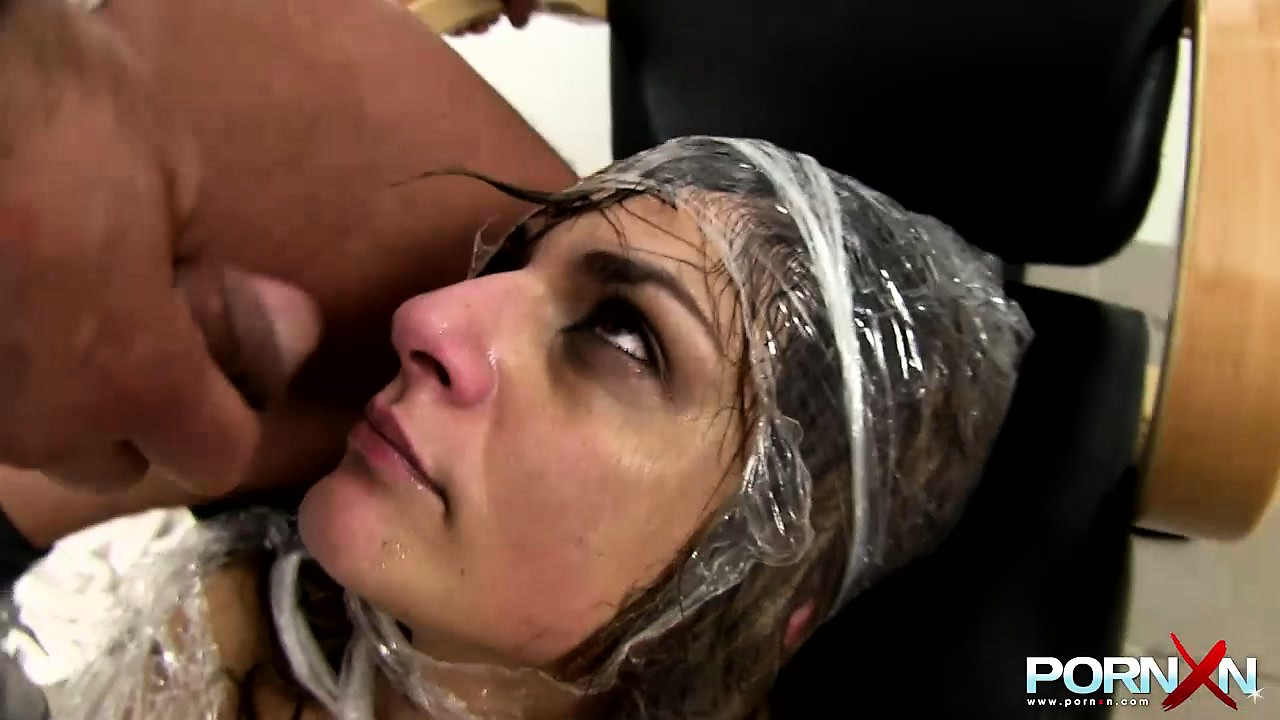 Porn Tube of Brunette Slut And The Fisting Barber Get Down And Dirty In The Salon