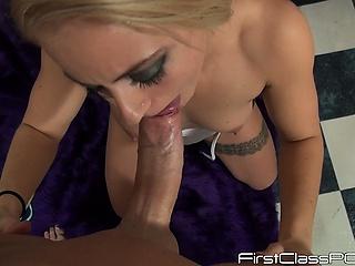 bryster med eget fedt finger i hendes fisse