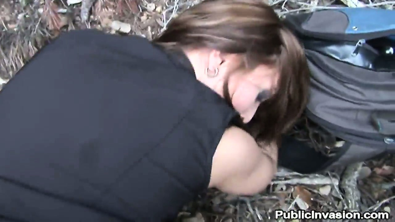 Porno Video of Amateur Brunette Teen Fucked Hardcore In The Middle Of The Woods