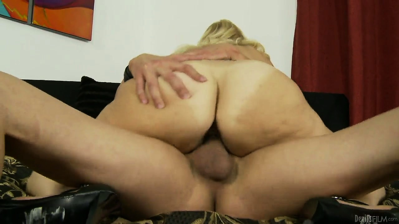 Porno Video of Blonde Milf With Big Hooters Is Getting Her Bald Twat Banged Hard