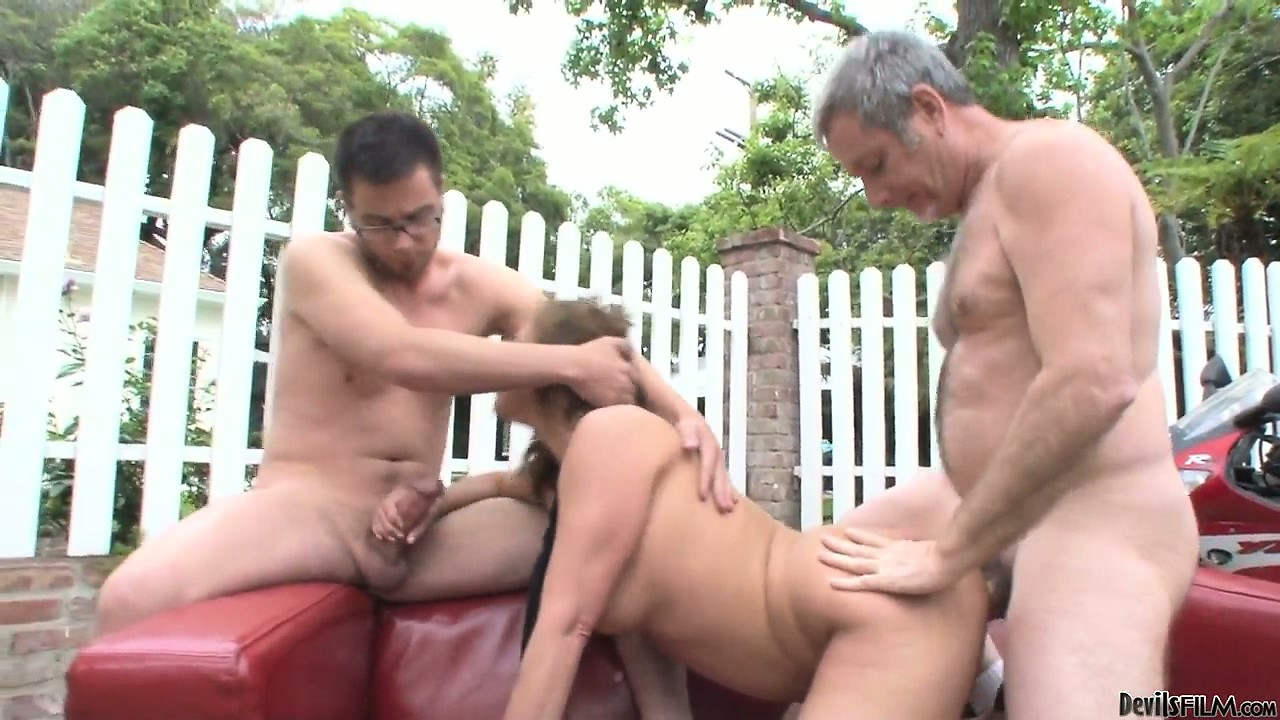 Porn Tube of Nerdy Girlfriend And Boyfriend Have The Company Of The Guy's Father In A Hot Threesome