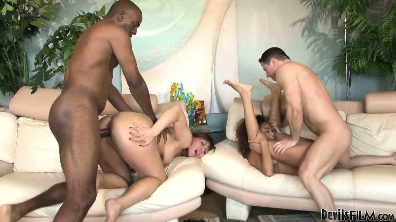 Porno Video of Two Couples Switch Partners In An Interracial Swingers Party