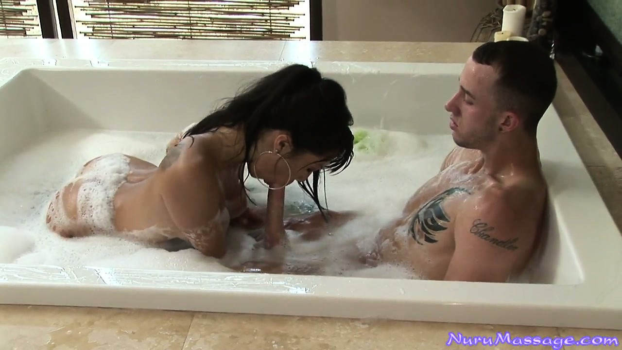 Porno Video of Horny Asian Babe Gets Him All Cleaned Up And Does A Oily Massage