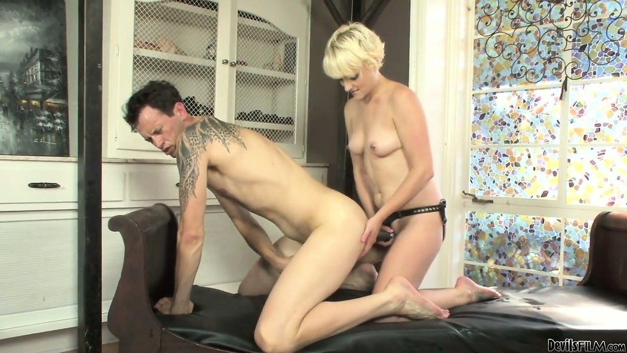 Porno Video of His Ass And Mouth Get A Filling From Two Curvy Strap-on Bitches