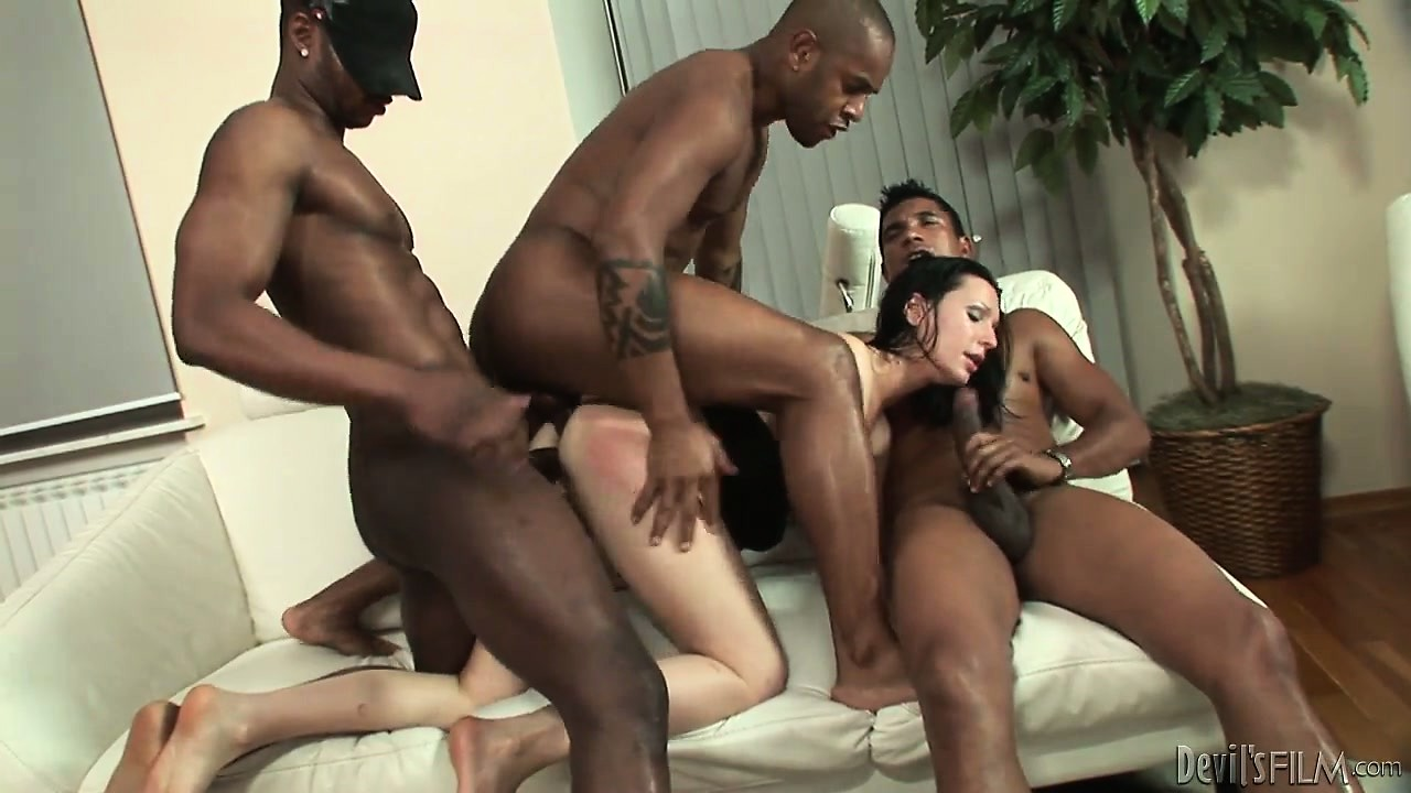 Porno Video of Hard Banging Ass Fucking And Big Meat Sucking In Gangbang Drilling