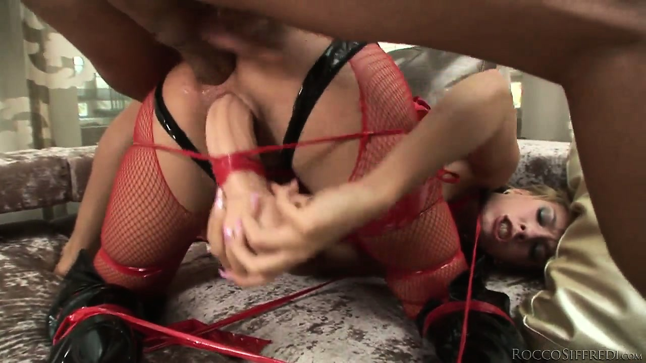 Porn Tube of Babe In Red Underwear Gets Her Dokus Pricked By Giant Joy-stick