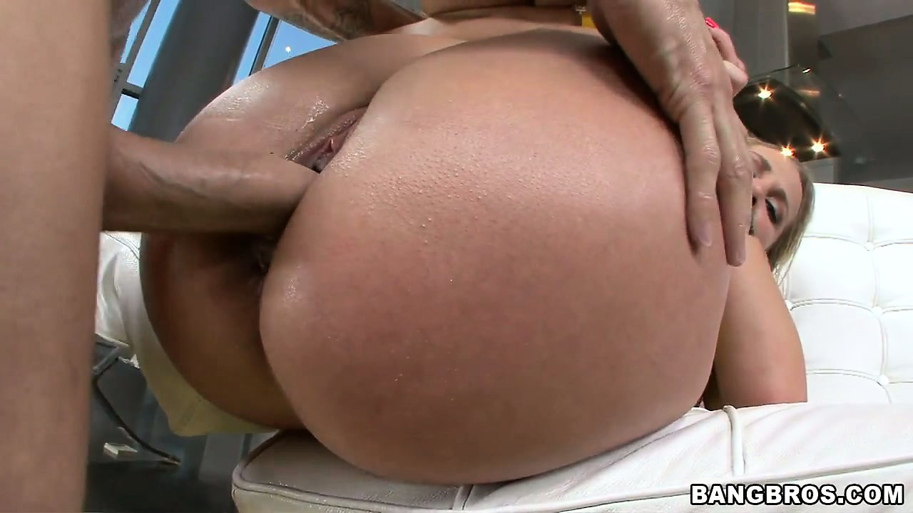 Porn Tube of Hot Blonde Milf With Big Ripe Melons Gets A Sweet Pussy Creampie