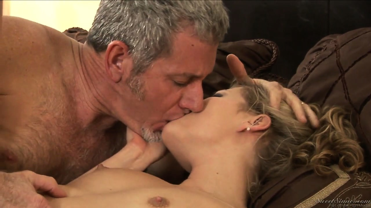 Porn Tube of Unexpected Passionate Relationship Between Married Man And Young Bitch