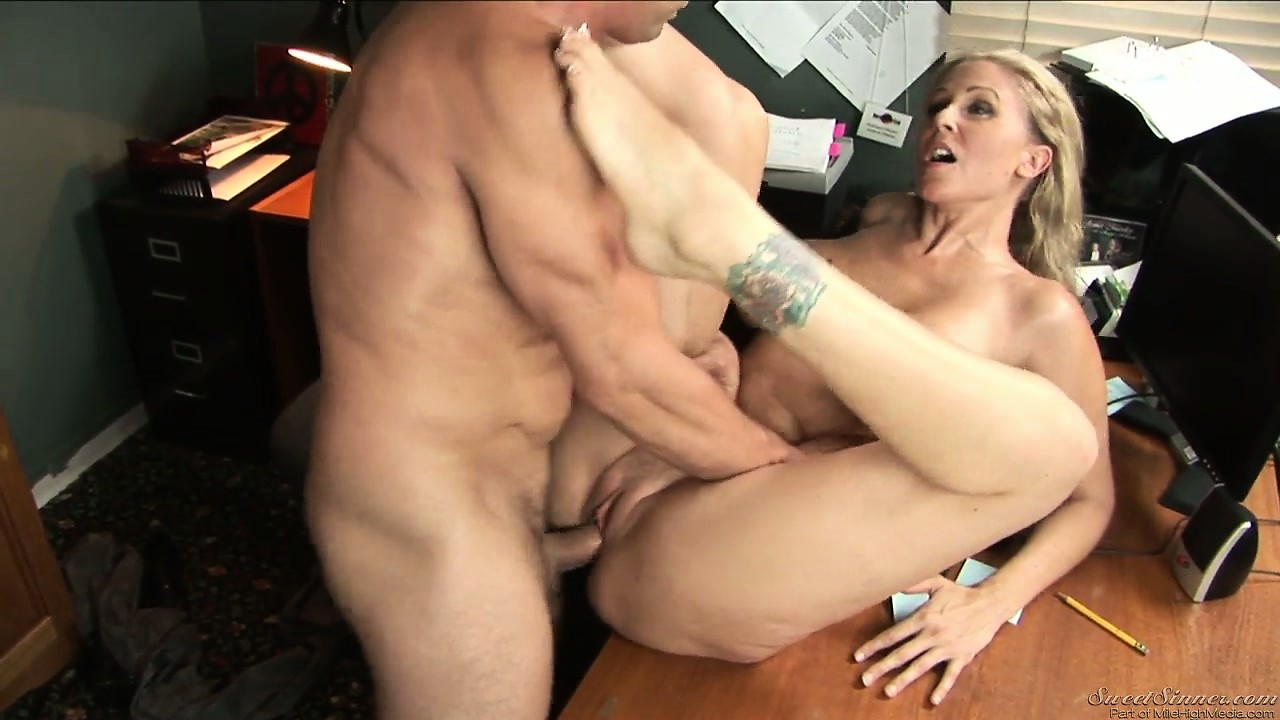 Porn Tube of Milf Slut Julia Ann Rammed Hardcore On The Office Where She Works