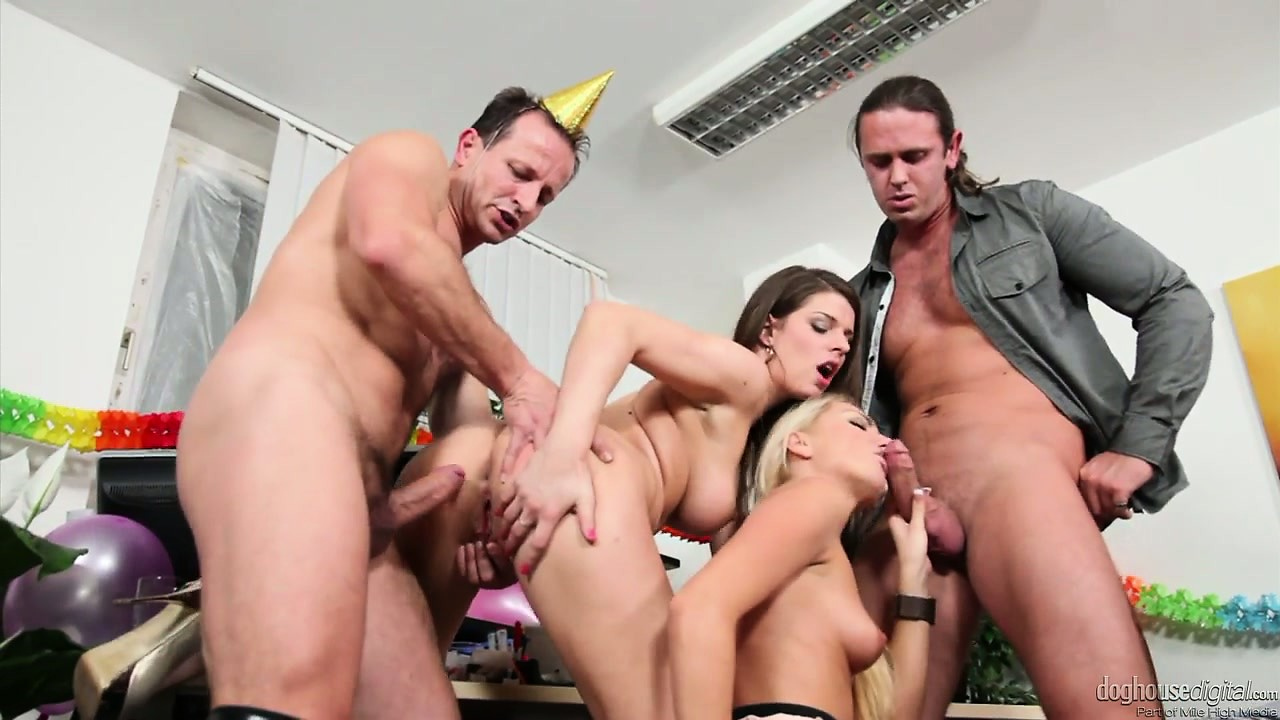 Porno Video of This Swingers Party Gets Off To A Good Start With Some Foreplay