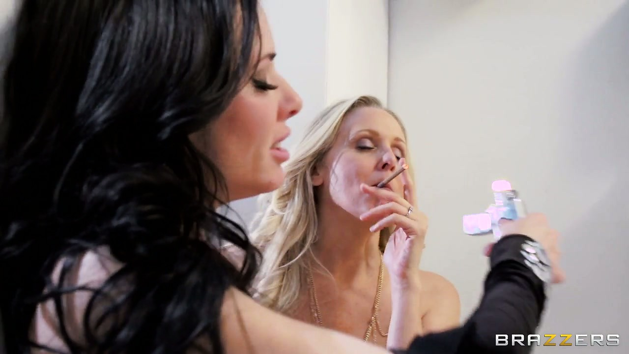 Porno Video of Julia Ann And Veronica Avluv Smoking After A Nice Lesbian Porno