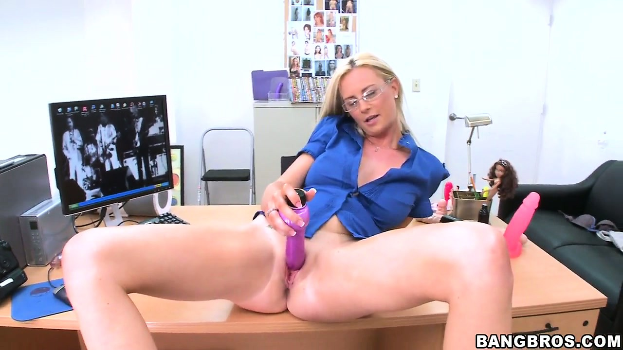 Porn Tube of This Hot Blonde With Lovely Tits Is A Sexy Banker With Dirty Fantasies To Fulfill