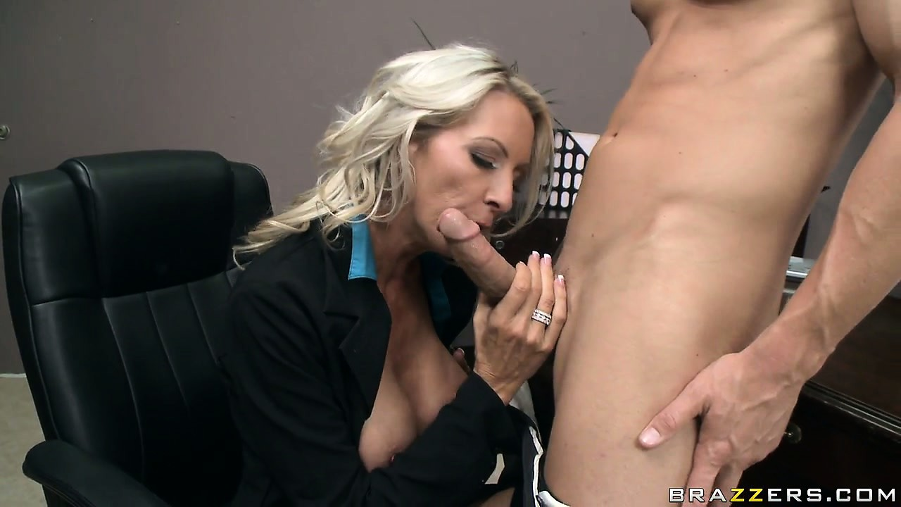 Porno Video of Busty Blonde Secretary Is Eager To Please The Bosses Big Boner