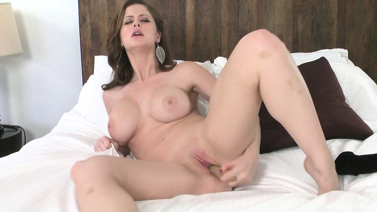 Porno Video of Brunette Beauty With Busty Boobs Toys Her Tiny Twat On The Bed