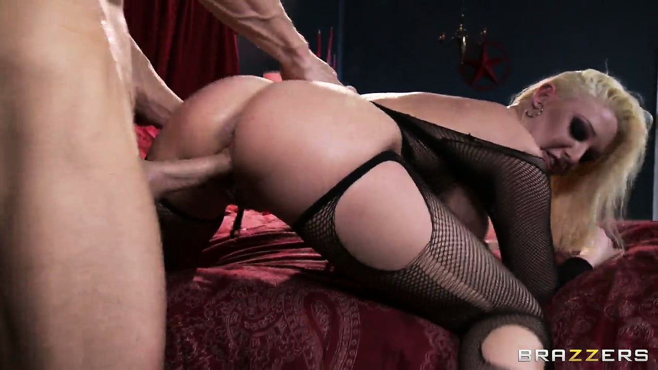 Porn Tube of Punk Blonde Bitch In Mesh Stockings Gets Ravaged From The Back