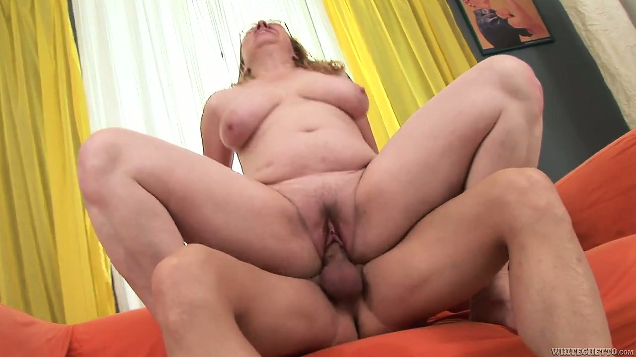 Porn Tube of The Fat Mature Enjoys A Wild Pussy Drilling Adventure And Her Cunt Gets Creampied