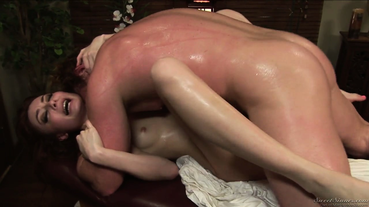 Porno Video of The Horny Client Gives His Stiff Muscle A Workout In The Masseuses Pussy