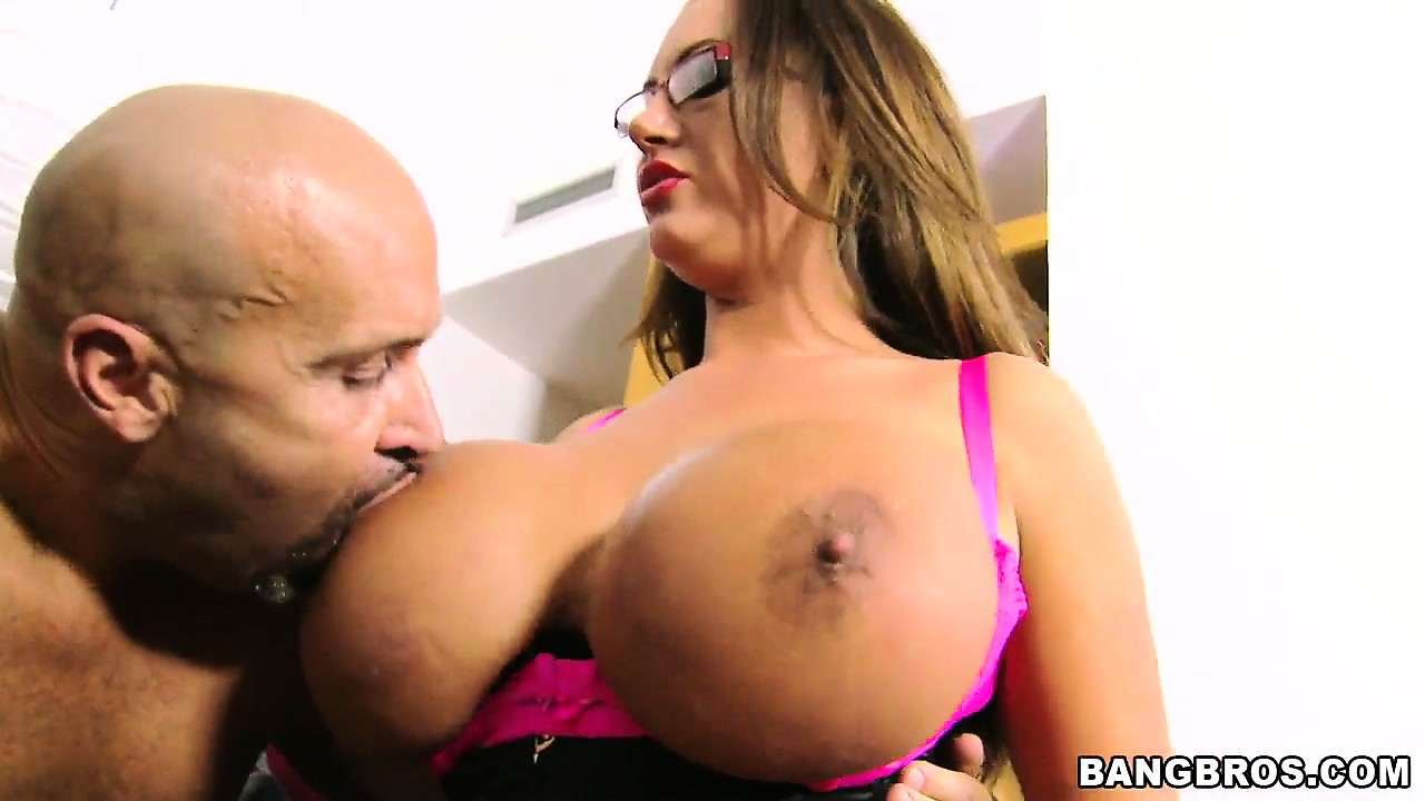 Porn Tube of Nerdy Brunette Milf In Glasses Bares Her Huge Melons Then Sucks Dick