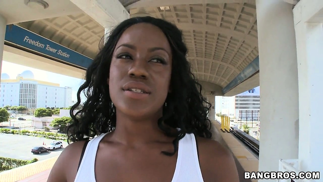 Porno Video of Chelsea White Is Showing Her Nice Tits In Public In A Sexy Porno